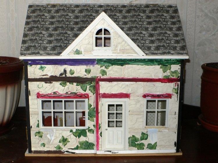Оформление кукольного домика