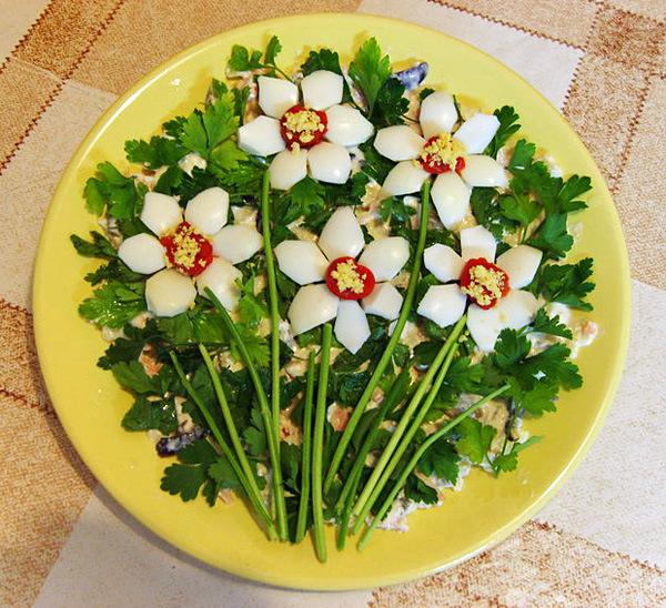 Красивое украшения салатов