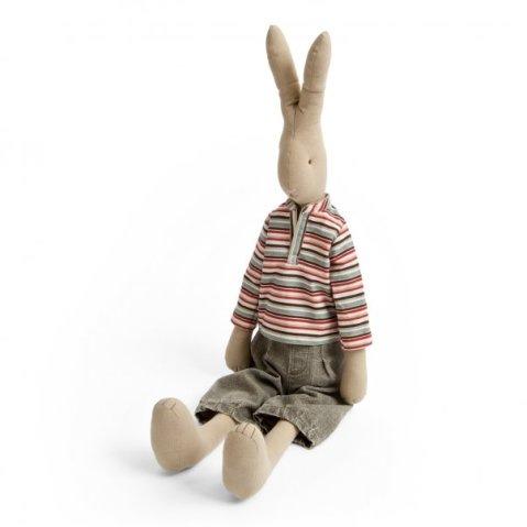 Стоячие уши у тильды кролика