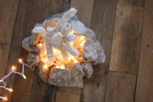 Сделать искусственный огонь в камине своими руками